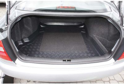 Aristar dywanik do bagażnika Audi A4 (B5) Sedan 4D od 1995-10.2001r. 193209